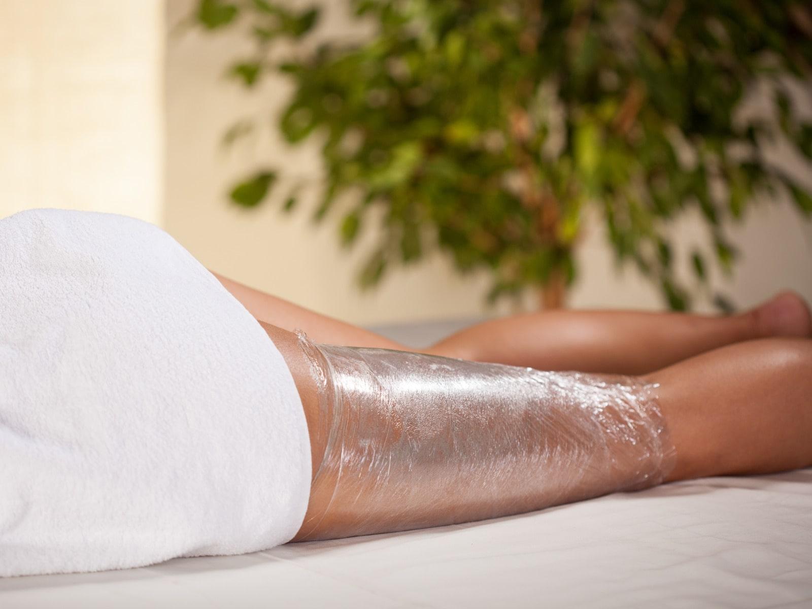 Body Wrapping: Schlank mit Frischhaltefolie