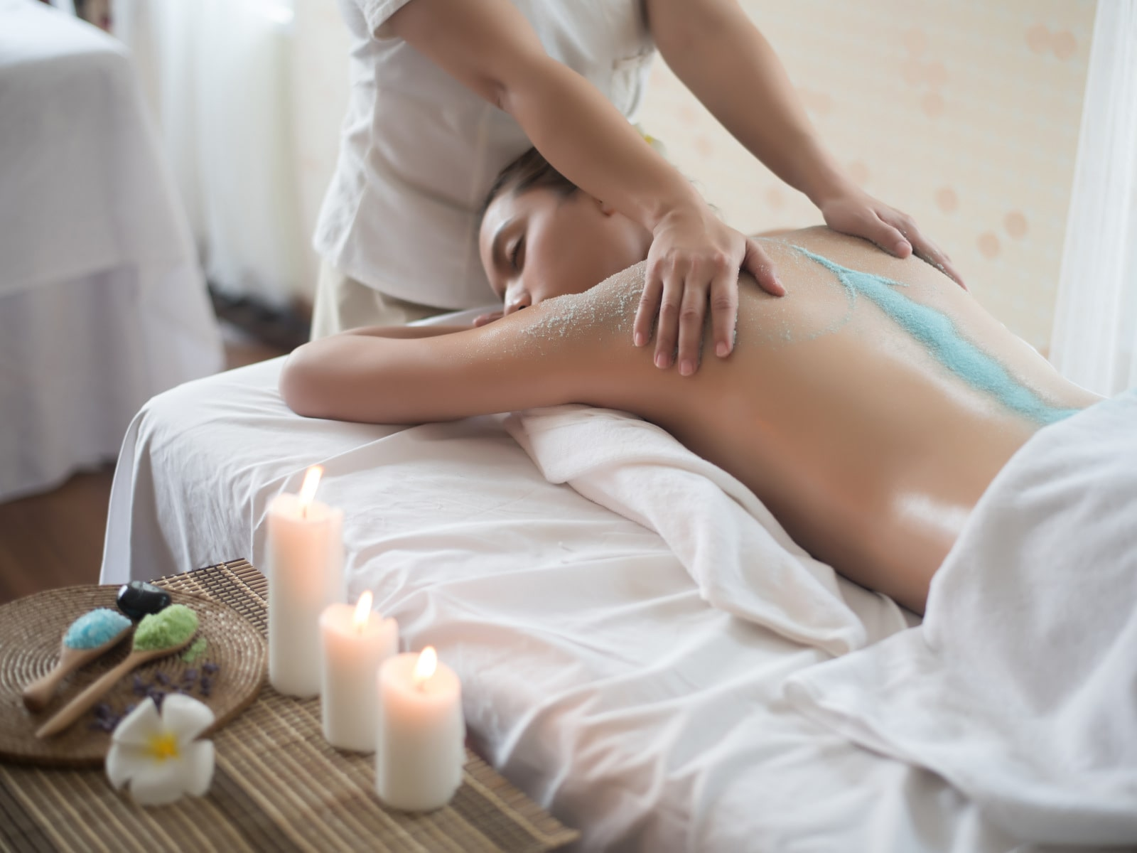Salzpeeling & Massage